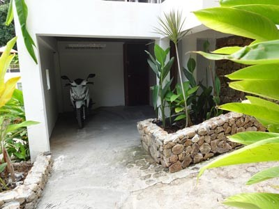Photo 40 english private garage of scooters under the villa in Koh Samui thailande